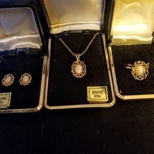 Jewelry - New Vintage Genuine Opal jewelry set